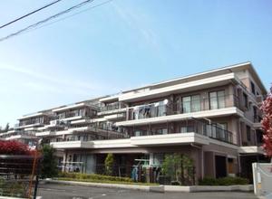 ライフヒルズ北山田